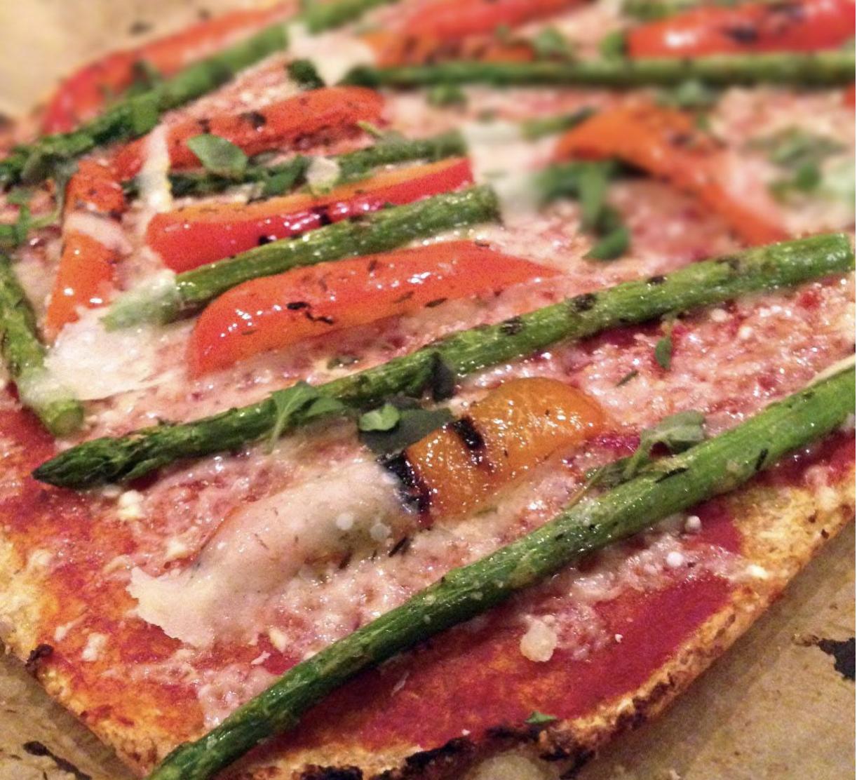 Pizza med grillede grøntsager
